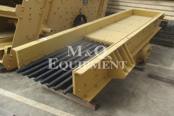 1000 x 4875 / Trio / Vibrating Grizzly Feeder
